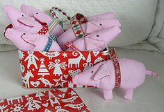 new pig ornaments (Lottakind) Tags: christmas pink pig ribbons handmade rosa ornament lotta glave maileg lottakind