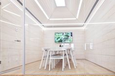 Prozářené kanceláře © No-A Architekti Alcove, Tile Floor, Divider, Bathtub, Flooring, Room, Furniture, Home Decor, Standing Bath
