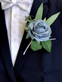 Dusty Blue Rose Eucalyptus Artificial Boutonniere💕gorgeous shade of slate blue silk flowers for mens wedding boutonnieres💕Premium wedding quality artificial flowers and sage green eucalyptus greenery💕every boutonniere comes with a pearl head pin Flower Garland Wedding, Rose Petals Wedding, Groomsmen Wedding Photos, Groom And Groomsmen, Wedding Attire, Wedding Coursage, Silk Roses, Silk Flowers, Rose Corsage