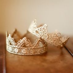 crowns. diy with lace & spray paint