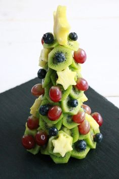Food Design, Fruit Salad, Buffet, Snacks, Desserts, Christmas, Gourmet, Christmas Finger Foods, Winter Food