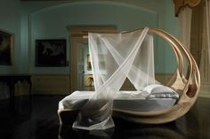 This bed is sooo beautiful.. The 9 Most Romantic Beds You Could Ever Hope to Sleep in.
