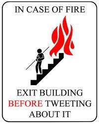 Just in case. Social Media Humor, Social Media Marketing, Digital Marketing, Funny Signs, Funny Jokes, Hilarious Quotes, Fire Prevention Week, Fire Safety, Quote Of The Day