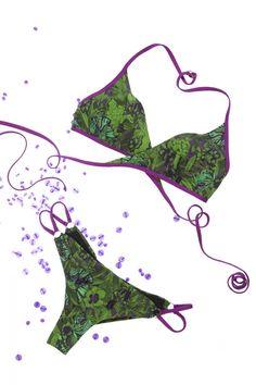 Bikini triangolo gilet. Fantasia farfalle.