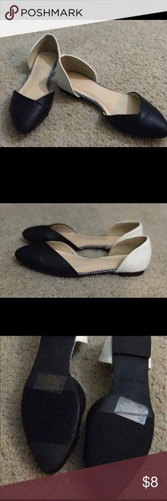 Black & white Avon shoes New Avon black and white shoes Avon Shoes Flats & Loafers