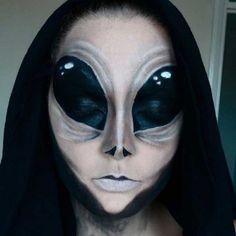 alien halloween make up Alien Halloween Makeup, Visage Halloween, Maquillaje Halloween, Scary Makeup, Halloween Looks, Sfx Makeup, Airbrush Makeup, Costume Makeup, Makeup Art