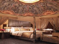 Atlantis Bridge Suite Luxury Bedroom Designs.