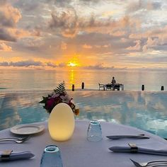 True love is hard to find but even harder to hide at Dusit Thani Maldives! We have enticing dining experiences planned exclusively for this Valentine's Day! Hard To Love, Hard To Find, Maldives, True Love, Valentines, How To Plan, Dining, News, Day