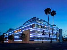 On the blog: An incredible facade made of PPG glass by Belzberg Architects. http://www.architects-toybox.com/2016/01/04/2486/