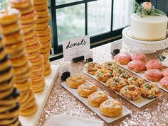 Wedding donuts from Donut Bar, Detroit / Photo by Sean Cook, Donut Bar Wedding, Dessert Bar Wedding, Wedding Desserts, Dessert Bars, Dessert Table, Sweet Table Wedding, Fall Wedding, Bagel Bar, Diy Donuts