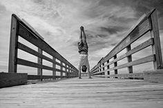 Was haben das Erlernen einer Fertigkeit und der Bau eines Turms gemeinsam? (Lade diekomplette Handstand-Anleitunghierherunter, inklusive Progressionslevel 4 und Trainingsplan) Bei beiden ist ein gutes Fundament die Voraussetzung Je stärker das Fundament, desto mehr Fertigkeiten können darauf aufbauen bzw. desto höher kann der Turm gebaut werden. Ob beim Turnen, Bodybuilding, Kampfsport oder Yoga. Das Fundament ... Weiterlesen...