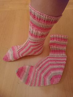 Choose any sock yarn you want and use any needle size you usually use with the yarn of that weight. I recommend using self striping yarn. Ravelry, Knitting Patterns, Crochet Patterns, Drops Design, Sock Yarn, Cute Crafts, Needles Sizes, Knitting Socks, Knit Socks