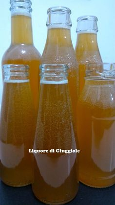 LIQUORE ALLE GIUGGIOLE Beverages, Drinks, Limoncello, Hot Sauce Bottles, Soul Food, Creme, Food And Drink, Cocktails, Homemade