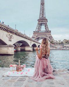 PiC ViBeS : Eiffel tower 🗼 l love paris Paris Images, Paris Photos, Paris Eiffel Tower, Tour Eiffel, Paris Photography, Girl Photography, Paris Wallpaper, Best Vacation Destinations, Instagram Pose
