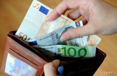O pomoc s osobným bankrotom žiadali stovky ľudí - Slovensko - TERAZ.sk Bratislava, Personal Care, Money, Personalized Items, Silver, Personal Hygiene