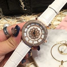 Clock Quartz-watch Leather Strap Roman numerals Rotating flowers will bring good luck Diamond edge Fashion Watches Women Gift