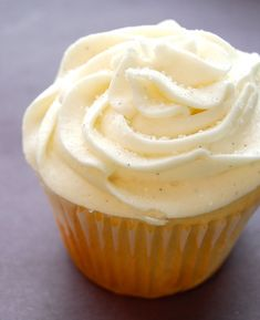 Starbucks Copycat Vanilla Bean Cupcake  Recipe - wooo hooo gonna try it !