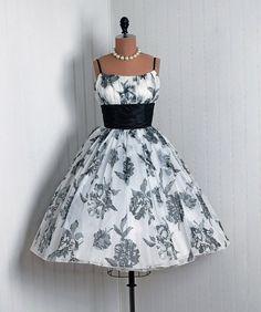 1950's Retro Party Dress ... prom dress anyone? lol by bertha