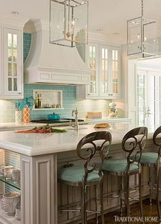 House of Turquoise: Kat Liebschwager Interiors – I love this kitchen! Its easily in the top 10 of kitchens that Ive seen since Ive been looking at designs. House of Turquoise: Kat Liebs Decor, Beautiful Kitchens, House Design, Dream Kitchen, Interior, Traditional House, Home Decor, White Cabinetry, Interior Design