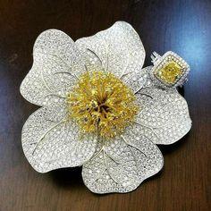Yellow and White Diamond High Jewelry High Jewelry, Modern Jewelry, Jewellery, Diamond Brooch, Diamond Jewelry, Antique Jewelry, Vintage Jewelry, Glitter Rocks, Yellow Jewelry