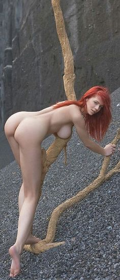 AMAZING SIDEBOOB, SLIM & PALE-SKINNED DREAM BODY of sexy Ginger #Fitness model : Health, Exercise & #Fitspo - the best #Inspirational & #Motivational Pins by: http://cagecult.com/mma