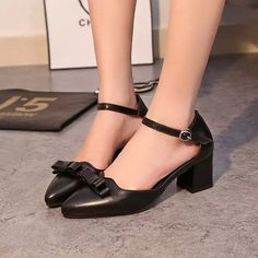 - Popular ribbon work dress heels perfect for any workplace - Also great to complete your outfit for a night out on the town - 5.5 cm heel - Made from PU - Available in 2 colors