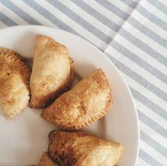 chorizo and chicken empanadas Blackberry Ice Cream, Chicken Empanadas, Chorizo, Breakfast, Ethnic Recipes, Food, Breakfast Cafe, Essen, Yemek