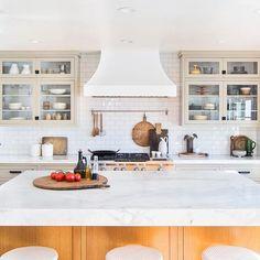 This lovely kitchen belongs to acclaimed food photographer @mattarmendariz and his equally acclaimed food stylist husband @adamfoodstyle. Rad dudes and rad kitchen, photographed for the rad team at @prairie_home_styling. #interiordesign #kitchendesign #longbeach #bixbyknolls #hgtv #kitchengoals