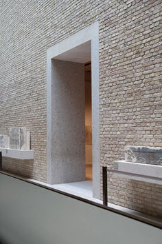 door threshold, neues museum Berlin by david chipperfield architects. Wall Texture Design, Architecture Design, David Chipperfield Architects, Brick Detail, Door Detail, Brickwork, Brick Cladding, Exterior Cladding, Brick And Stone