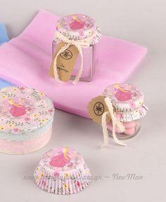 DIY candy box earth baptism girl - Easy Crafts for All Baby Food Jar Crafts, Baby Food Jars, Baby Crafts, Diy And Crafts, Decor Crafts, Wedding Favors, Wedding Gifts, Baby Shawer, Birthday Decorations