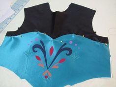 Elsa coronation dress - the sewing #elsa #frozen #andreaschewe