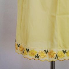 Hand Work Embroidery, Embroidery Suits Design, Hand Embroidery Designs, Area Formula, Clothing Studio, Beautiful Suit, Yellow Daisies, Indian Designer Wear, Punjabi Suits