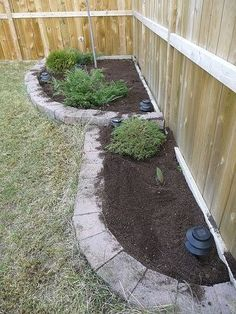 Love the clean look of this and it's not so elaborate that I couldn't do it in my own backyard