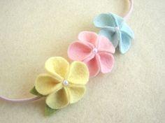 Wool felt flower elastic headband for little girls. Cute.