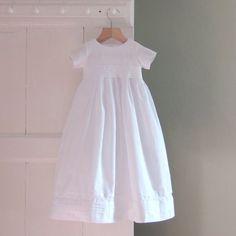 christening gown in cottonthe RUFFORD von righthand auf Etsy