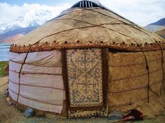 i love yurts -  would make a great studio if natural light were included.