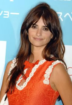 Brown hair Natural style Penelope Cruz