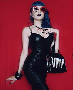Miss Witch Candy Estilo Pin Up, Estilo Retro, Alternative Girls, Alternative Fashion, Dark Fashion, Gothic Fashion, Bettie Page, Chicas Punk Rock, Darkness Girl