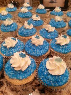 Easy Frozen themed cupcake
