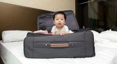 Tips Aman Bepergian dengan Bayi Bassinet, Toy Chest, Baby Strollers, Improve Yourself, Sailing, Maternity, Parenting, Learning, Traveling