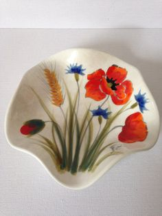 Nuovo Ceramica Vincenza candy dish in the popular Poppy design. Beautiful cream coloured stoneware dish with a fluted edge.  Produced by the well