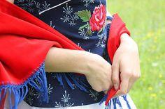 top modrotlač Modruška #modrotlac #handmade #rucnapraca #folk #folklor #tradicne #kroj Alexander Mcqueen Scarf, Fashion, Moda, Fashion Styles, Fashion Illustrations