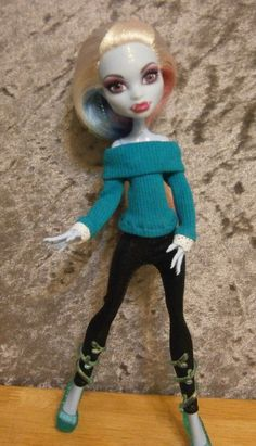 Sweater and pants for monster high dolls by moonsight68 on Etsy, $9.00