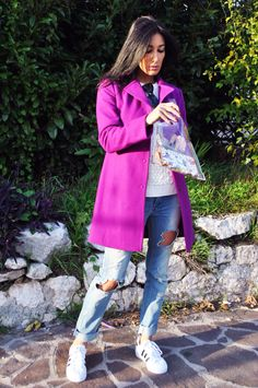 Cappotto fucsia, coat fuchsia, superstar adidas, sneakers, sporty chic, clutch iniziali, personalizzata, ootd, look, moda Inverno 2016, fashion, trend chic - outfit fashion blogger Heels Allure by Marianna Farese