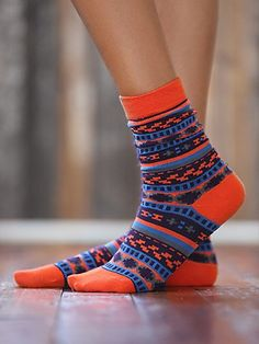 fun colorful socks! http://rstyle.me/n/vgn8dr9te