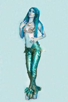 pastelmermaidscales:  amstatik:  Kerry Wheeler wearing the Am Statik mermaid leggings shot by LBR photography.  omygoodness. this is beautiful.