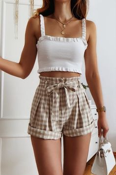 Trendy Summer Outfits, Cute Comfy Outfits, Girly Outfits, Pretty Outfits, Summer Shorts Outfits, Casual Summer, Spring Outfits, Style Outfits, Mode Outfits