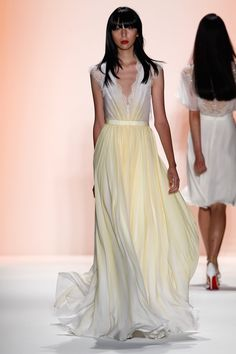 Jenny Packham Spring 2012  Look at this sexy flow!!!