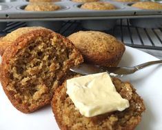 Warm, fluffy, and (refined) sugarless. These bran muffins are sweetened with honey and substitute oil for applesauce. They are so sweet and delicious Bran Muffins, Breakfast Muffins, Breakfast Recipes, Kid Breakfast, Apple Muffins, Baking Muffins, Oatmeal Muffins, Health Breakfast, Bread Baking
