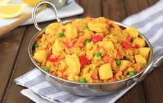 Paella without rice? Yup, it can be done… thanks to our buddy CAULIFLOWER! This recipe is healthy, low in calories, full of chicken and seafood, and soooo good…